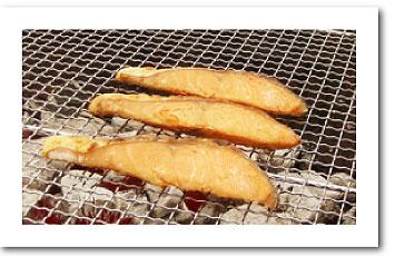 寿都町吉野商店 寒風やぐら干し鮭寿